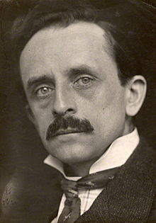 220px-J._M._Barrie_in_1902